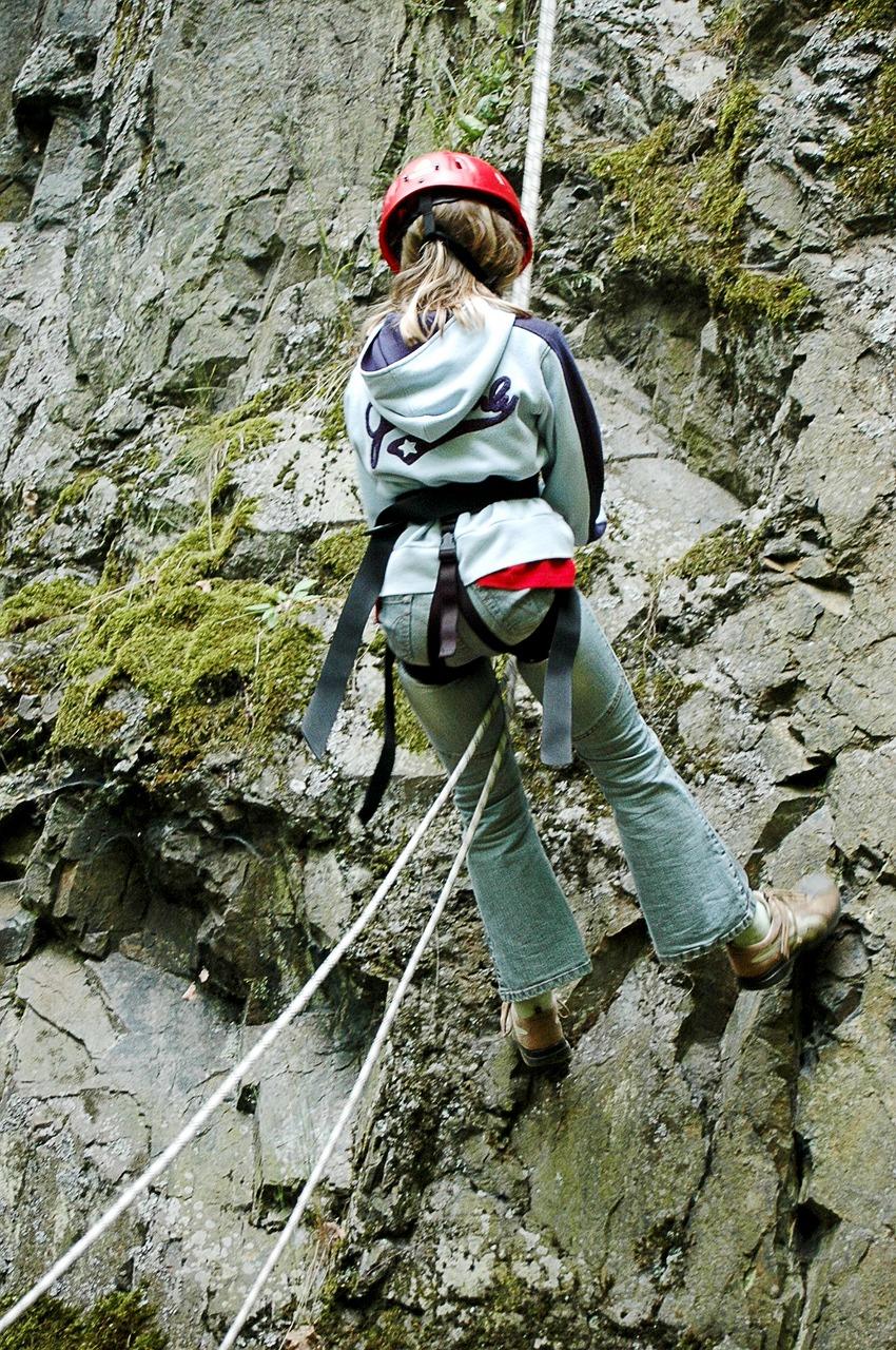climbing-2072314_1280