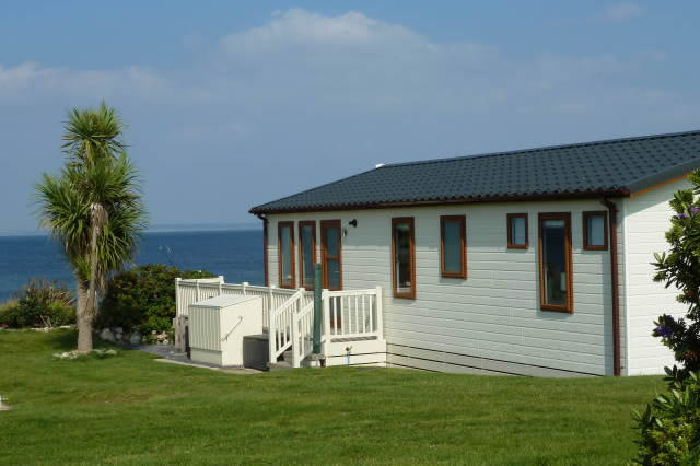 5 Reasons to Buy a Holiday Home